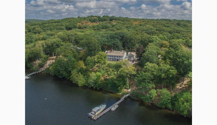 95 Cove Rd Lyme, CT 06371 - Image 1