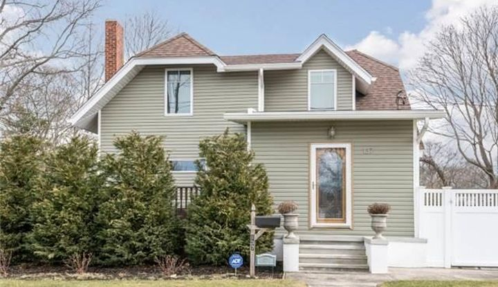 137 Broadway Ave - Image 1