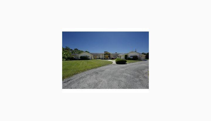 69 Heritage Estates Putnam, CT 06260 - Image 1
