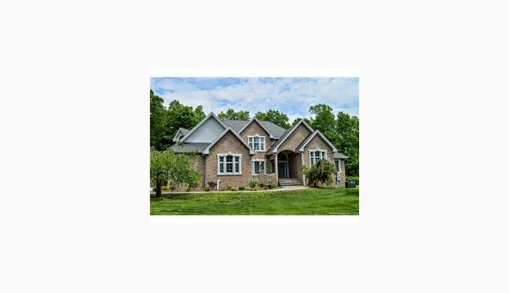 91 Stoney Brook Ln Watertown, CT 06795 - Image 1