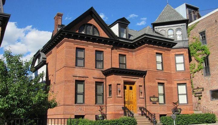 418 Warren Street - Image 1