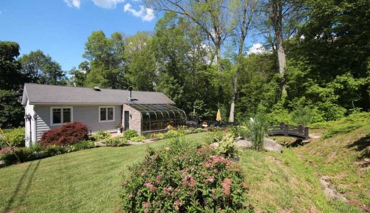 33 PINE VIEW RD - Image 1