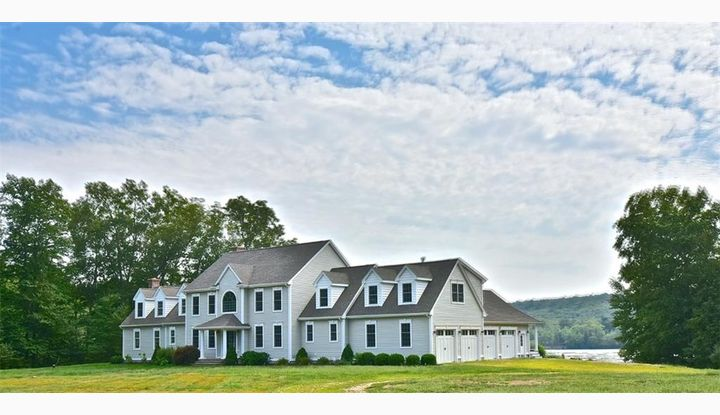 82 Pires Dr Montville, CT 06370 - Image 1