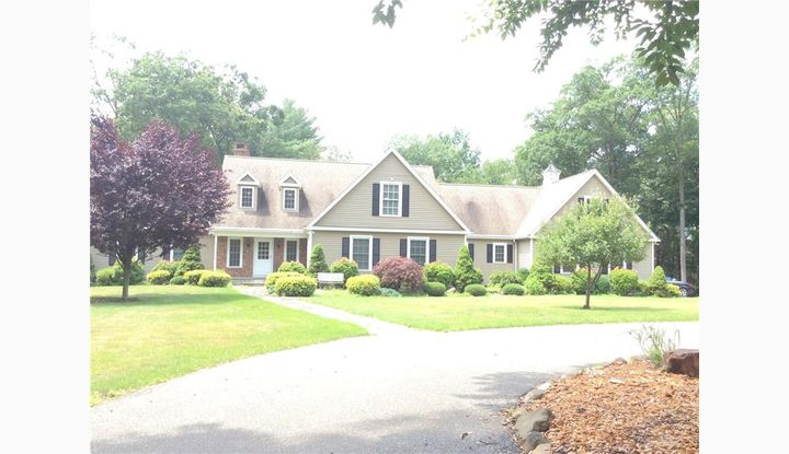 138 Scuppo Rd Woodbury, CT 06798 - Image 1